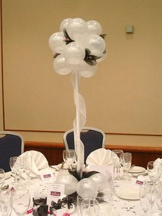 Guest Table- Balloon topiary