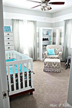 O cinza é uma das principais opções de cor para as mamães. Complemente com uma cor forte, como o turquesa, para a riqueza de detalhes.