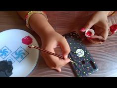 Acrylic painting on Mobile Cover    Easy Acrylic Painting on Mobile Cover - YouTube Simple Acrylic Paintings, Easy Paintings, Painting Videos, Painting & Drawing, Paper Crafts, Diy Crafts, Mobile Covers, Easy Drawings, Diy For Kids