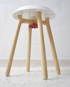 Yodeesa stool has been awarded with a red dot