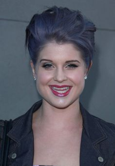 Kelly Osbourne with pastel purple