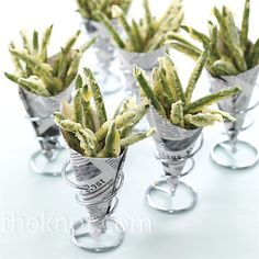 After-Party Wedding Food Cocktail hour is making a comeback. After hours, that is. Sure, we love the sweet stuff, but now guests are taking tempura vegetables (like these sring beans wrapped in newspaper cones) to go. Crispy Green Beans, Fried Green Beans, Tapas, Tempura Vegetables, Wedding Reception Food, Party Wedding, Wedding Snacks, Diy Wedding, Appetizer Recipes