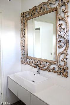 Uuden omakotitalon sisustussuunnittelu 2014 / kuva: Piia Seppänen Wall Art Decor, Room Decor, Antique Frames, Cnc, Consoles, Mirrors, Beautiful Homes, Interior Decorating, Room Ideas