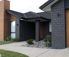 Midland Brick New Zealand Euro Grande Bricks Range Black House Exterior, House Paint Exterior, Exterior House Colors, Modern Exterior, Exterior Design, Brick Cladding, House Cladding, Facade House, Wood Facade