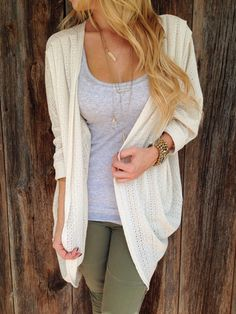 Id love a neutral cream cardigan. I already have lots of grey and black cardigans. Cream Cardigan Outfit, Green Pants Outfit, Cardigan Outfits, Casual Outfits, Cute Outfits, Fashion Outfits, Womens Fashion, Sleeveless Cardigan, Fashion Ideas