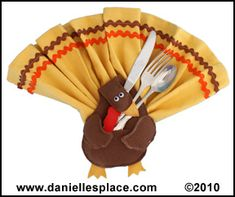 Thanksgiving Turkey Napkin and Silverware Holder Craft from www.daniellesplace.com