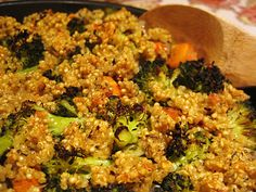 Vegan Quinoa Casserole | Gluten-free I added a bit vegetable broth to the water...The Quinoa crust should not be added too late since it is difficult to let it become crispy without over cooking the rest of the ingredients. In sum: A very nice dish which takes some preperation time but is worth the effort