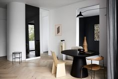 ThisSouth Yarra residence by We Are Huntly is a symphony of geometric silhouettes. There is a clean modern representation. The objects are placed in a way