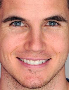 robbie amell by request robbie amell celebrity celebs celeb celebrities celebrityclose-up.com