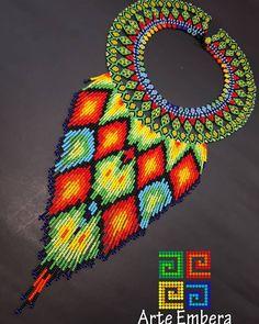 Dayra embera  dayra kiruju duanu   las tradiciones son raíces del pasado  Que nos mantiene vivos en el presente,  Sin ella, seríamos como si nunca estuviéramos existidos.  Ella nos eternizan.  @arte_embera #arteembera #expoartesano  #expoartesano2017 #emberachami   #asociacionjaipono   #follow4follow   #cultura   #mostacilla Jewelry Art, Fashion Jewelry, Tribal Fashion, African Fashion, Beading Projects, Hama Beads, Wearable Art, Diy And Crafts, Crochet Earrings