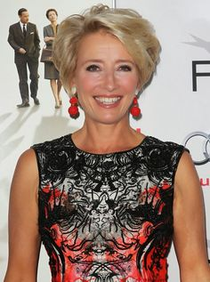 Photo of Emma Thompson - AFI FEST 2013 Presented by Audi - Disney's Saving Mr. Banks Opening Night Gala Premiere - Picture Browse more than pictures of celebrity and movie on AceShowbiz. Short Grey Hair, Short Hair Older Women, Short Hair With Layers, Cute Hairstyles For Short Hair, Pixie Hairstyles, Short Hairstyles For Women, Haircuts, Emma Thompson, Medium Hair Styles