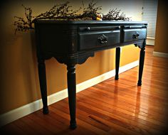 Dark colors give furniture a classic but dramatic effect.