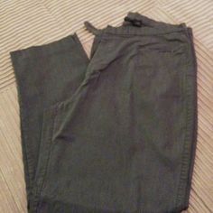 Medium Gray Dress Pants Med Gray dress pants, tapered leg. Very comfortable and flattering. Pic 4 shows waist closure and front zip pockets. Would fit 16 as well, smaller waist. Mossimo Supply Co. Pants