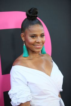 Remember That Time Sanaa Lathan Wore Twists? A Look Back At The Actress's Most Memorable Hair Moments Knot Bun, Top Knot, My Black Is Beautiful, Beautiful Women, Curly Hair Styles, Natural Hair Styles, Bun Hairstyles, Wedding Hairstyles, Vintage Hairstyles