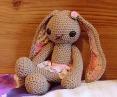 Lucy bunny amigurumi crochet pattern by Liz Ward by AmigurumiBarmy