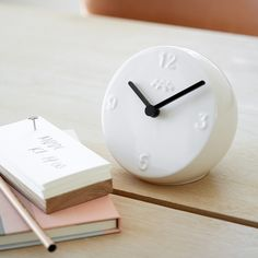 The Ora series has already found its place in many design lovers' hearts, and this table clock will undoubtedly bring joy to many.