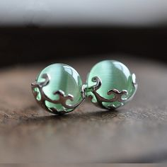 1cm Retro royal palace 925 Sterling silver pure natural Semi-precious stones green grape opal Agate stud Earrings female