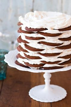 Gingerbread Icebox Cake with Mascarpone Mousse. Fabulous dessert thats easy to make, delicious, and will impress guests. Icebox Cake Recipes, Dessert Recipes, Freezer Desserts, Icebox Desserts, Party Recipes, Cookbook Recipes, Kitchen Recipes, Cake Pops, Cake Away