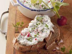Frühlingsquark ist ein Rezept mit frischen Zutaten aus der Kategorie Gemüse. Probieren Sie dieses und weitere Rezepte von EAT SMARTER!