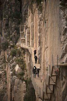 Caminito del Rey: Would you walk along this narrow footpath high above a gorge near Malaga? Places To Travel, Places To See, Dangerous Roads, Rando, Scary Places, Spain And Portugal, Spain Travel, Paths, Travel Inspiration