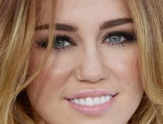 Miley Cyrus makeup finally a good up close photo its what I needed