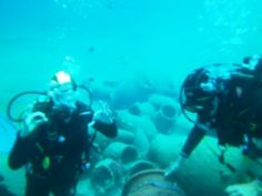Pot No17. April's Amphoras on the Red Sea College team artificial reef