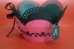 Wrapper para cupcake calado láser. Temática: Victoria's Secret. Realizado para el cumpleaños de Andrea Estévez // Laser cut wrapper cupcake Victoria's Secret