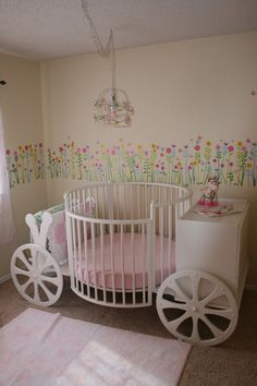 Carriage crib... Jim can totally make this!!