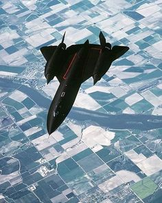 "1,993 Likes, 8 Comments - Worldwide Military Aircraft (@international_aircraft) on Instagram: ""Sr-71 Blackbird!"""