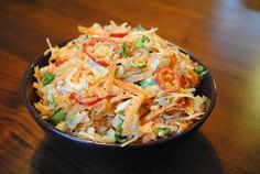 Healthy Mexican coleslaw from Hungry Healthy Happy Recipe: ~ 3 carrots, peeled ~… Carnitas, Barbacoa, Paleo Recipes, Mexican Food Recipes, Real Food Recipes, Cooking Recipes, Ethnic Recipes, Guacamole, Tamales