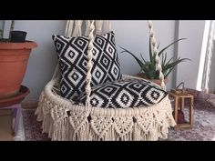 Hanging Crib, Macrame Hanging Chair, Macrame Chairs, Macrame Plant Hangers, Macrame Design, Macrame Art, Macrame Projects, Small House Diy, Woodworking Furniture Plans