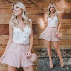 ✨✨. O Look fresh e lindo para inspirar! Que tal? #regata #cetim #renda Ref. Regata Rosa. Cores variadas. #short#shortsaia #plissada Ref. Short Saia Amanda.