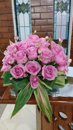 Exotic Flowers, Pink Flowers, Beautiful Flowers, Funeral Floral Arrangements, Flower Arrangements, Anything Is Possible, Arte Floral, Flower Designs, Centerpieces