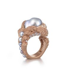 """Ornella Iannuzzi's """"Uprising"""" baroque pearl ring, currently on display at Goldsmiths' Hall, was the winner of two prestigious gold awards at the recent Goldsmiths' Craft & Design Council Awards."""