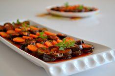 Reyhan Soslu Patlıcan Tarifi;  http://oktayustam.com/tarifler/32267-reyhan_soslu_patlican_tarifi.html
