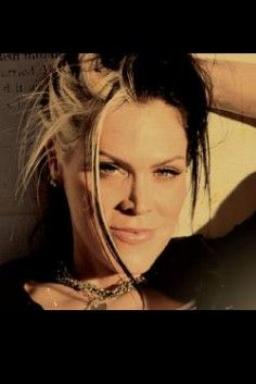Beth Hart...This one sings my heart out loud.. Met and hugged her over and over…
