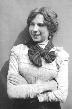 Celia Compton Born in Mile End in April 1886