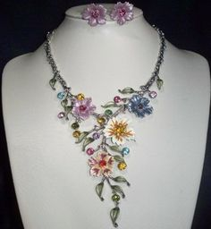 GORGEOUS MULTICOLOR FLOWER CRYSTAL DROP NECKLACE AND EARRINGS SET