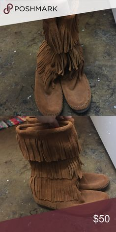 Size 9 minneronka boots Never even wore them :( super cute size 9 Shoes Moccasins