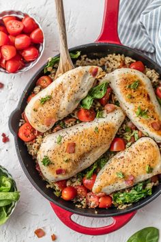 SKILLET BLT CHICKEN AND RICE is the perfect one pan meal to feed the family! Loaded with garlic, chicken, bacon, tomatoes, spinach, and brown rice