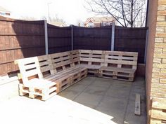 DIY Pallet Sectional Sofa for Patio | 101 Pallet Ideas