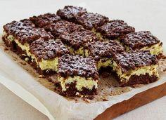 Fantasztikus reszelt túrós süti pillekönnyű töltelékkel - Recept | Femina