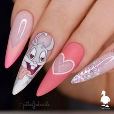 Beautiful hand painted Bugs Bunny nails by Ugly Duckling Family Member 😍 Ugly Duckling Nails is dedicated to keeping love, support, and positivity flowing in our industry ❤️ Disney Acrylic Nails, Disney Nails, Summer Acrylic Nails, Best Acrylic Nails, Edgy Nails, Stylish Nails, Swag Nails, Bux Bunny, Nails Inc