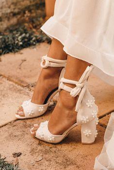 Dr Shoes, Cute Shoes, Me Too Shoes, Bridal Shoes Online, Best Bridal Shoes, Pearl Shoes, Dream Wedding Dresses, Boho Wedding Shoes, Wedding Shoes Block Heel