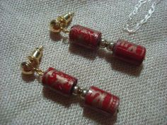 Paper bead earrings using gift wrapper