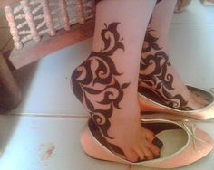 50 Most Beautiful Indian Mehendi Designs Mehndi Designs Feet, Arabic Henna Designs, Mehndi Designs Book, Legs Mehndi Design, Beautiful Mehndi Design, Henna Tattoo Designs, Bridal Mehndi Designs, Bridal Henna, Leg Mehndi