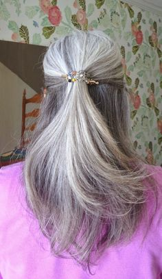 How Bourgeois: My New Favorite Way to Add Sparkle to the Gray! - Lilla Rose Hair Accessories!