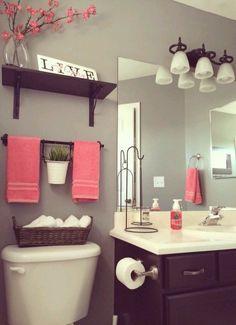 Casa de banho em cinza e rosa