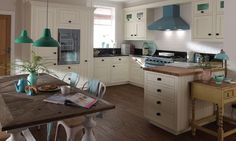 The Milbourne painted inframe kitchen with a choice of 32 beautiful colours Inframe Kitchen, Kitchen Family Rooms, Kitchen Tops, Kitchen On A Budget, Kitchen Paint, Kitchen Flooring, Kitchen Ideas, Kitchen Inspiration, Design Inspiration