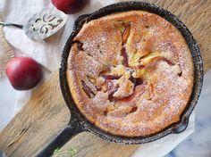 Ekstremalnie szybkie w przygotowaniu łatwe ciasto z nektarynkami, w którym nie ma nawet jajek! Świetny pomysł na szybki deser!